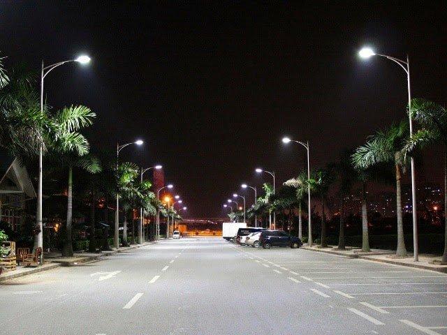 Cột đèn điện đạt chuẩn sẽ đảm bảo về chất lượng và độ bền