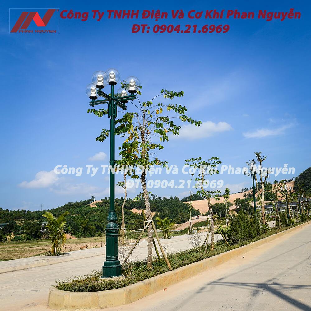 Cột đèn sân vườn DC05B lắp bóng Son