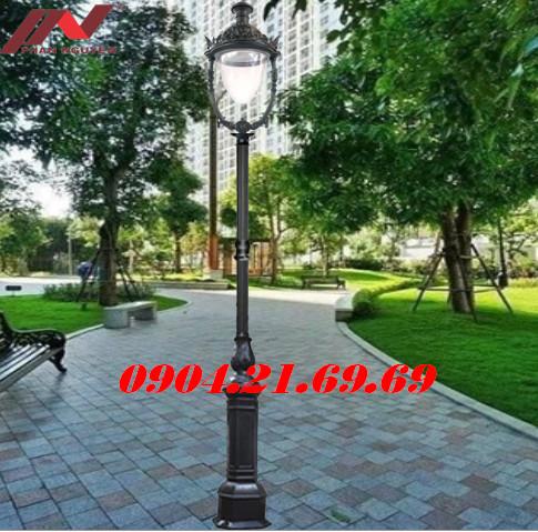 Cột đèn sân vườn DC05B lắp 1 bóng