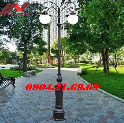 Cột đèn sân vườn DC05B lắp tay chùm 2 bóng